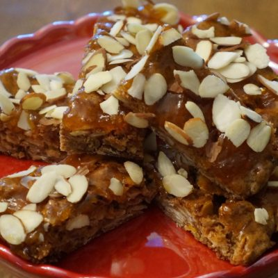 almond apricot blondie